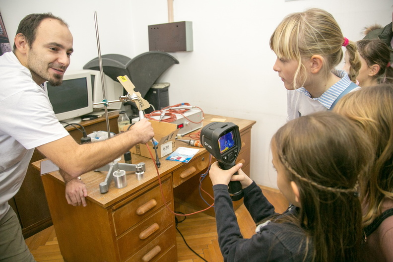 odgovori o virtualnim znanstvenim predmetima virtualni izrokron