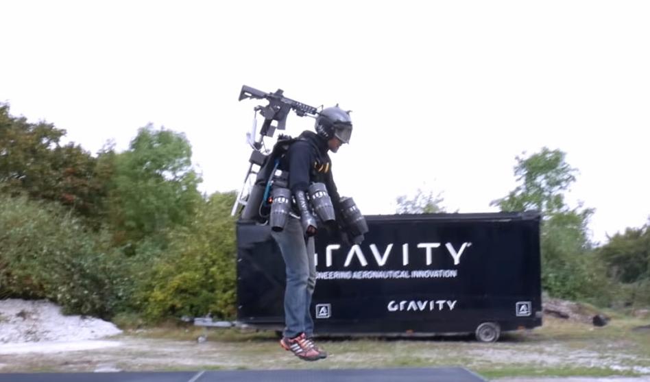 VIDEO: Jet pack sa strojnicom koja prati pokrete glave