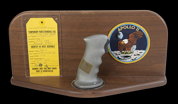 Kupite si originalni upravljač Apolla 11